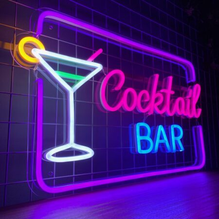 "Neonskilt ""Cocktail BAR"""